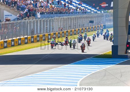 Uneven Begin Of The Race Of 125Cc Of The Cev Championship
