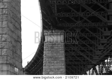Black/White Bridge Supporting Pillars And Girders