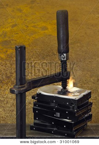 Burning Vise And Hard Disks