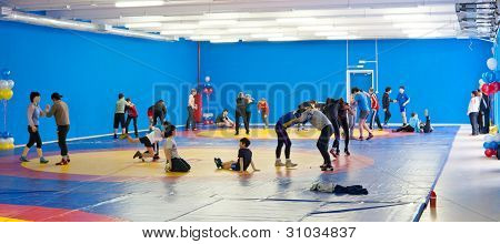 Kids Wrestlers Train