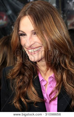 """LOS ANGELES - MAR 17:  Julia Roberts arrives at the """"Mirror, Mirror"""" Premiere at the Graumans Chinese Theater on March 17, 2012 in Los Angeles, CA"""