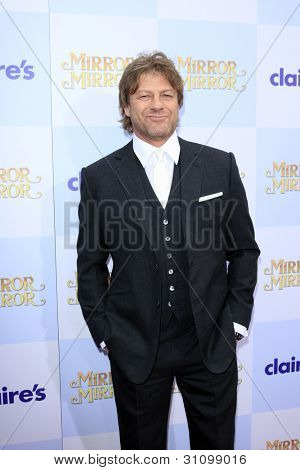 "LOS ANGELES - MAR 17:  Sean Bean at the ""Mirror, Mirror"" Premiere at the Graumans Chinese Theater on March 17, 2012 in Los Angeles, CA"