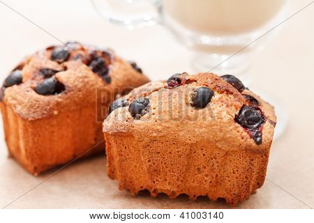 Black currant cakes