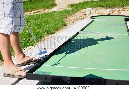 Playing Minigolf