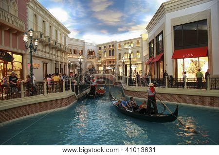 Las Vegas, Nevada - May 4, 2009: Gondola Trip Indoors Venetian Hotel In Las Vegas On May 4, 2009. Th