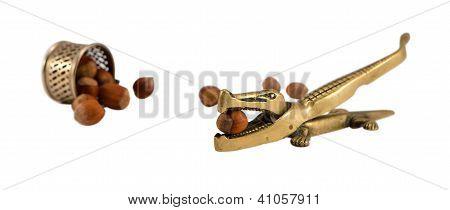 Steel Crocodile Nut Crush Tool Cup Turn Cobnut