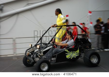 Ebi Shankara Entering Stage On Buggy