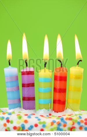 Cinco velas de cumpleaños