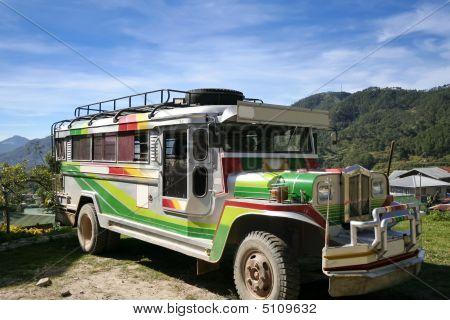 Jeepney filipina tradicional
