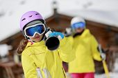 pic of family ski vacation  - Ski - JPG