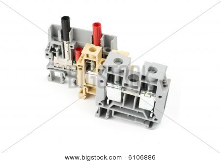 Industrial terminal blocks