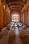 image of masjid  - marble graveyards in Jama Masjid in Fatehpur Sikri remember to islamic holy people - JPG