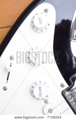 Guitar volume tone