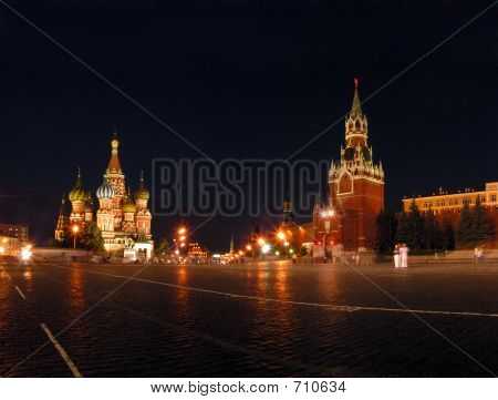 Blessed Vasily's Temple And Kremlin In Moscow.