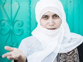 foto of arabic woman  - Arabic Muslim Middle Eastern woman in white - JPG