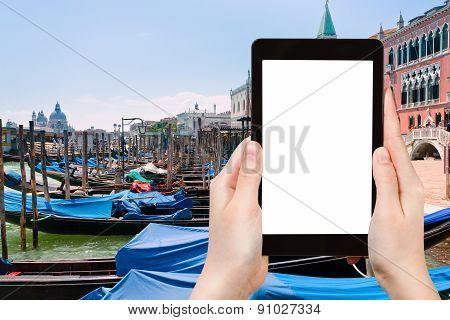 Tourist Photographs Of Gondolas In Venice, Italy
