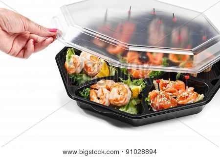 Hand Opening Seafood Buffet Box Catering