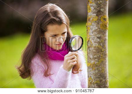 Child studing biology