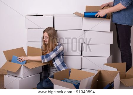 Students Changing House