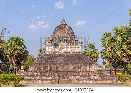 Pra Tat Mark Mo At Wat Wisunarat (wat Visoun) Luang Prabang, Laos