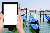 Постер, плакат: Tourist Photographs Gondolas On San Marco Canal