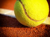 picture of balls  - tennis ball on a tennis court - JPG
