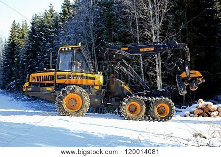 PONSSE Ergo Forest Harvester In Winter