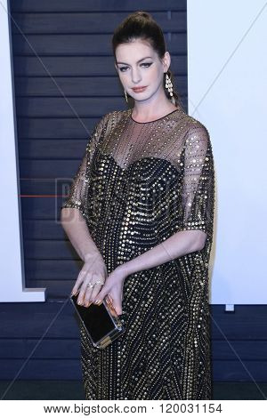 BEVERLY HILLS - FEB 28: Anne Hathaway at the 2016 Vanity Fair Oscar Party on February 28, 2016 in Beverly Hills, California