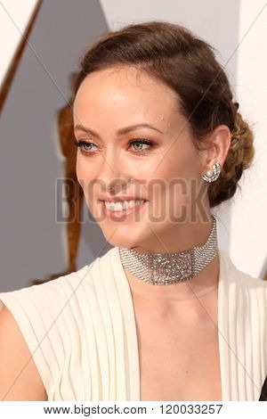 LOS ANGELES - FEB 28:  Olivia WIlde, Jason Sudeikis at the 88th Annual Academy Awards - Arrivals at the Dolby Theater on February 28, 2016 in Los Angeles, CA
