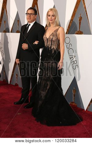 LOS ANGELES - FEB 28:  Daivid O Russell, Jennifer Lawrence at the 88th Annual Academy Awards - Arrivals at the Dolby Theater on February 28, 2016 in Los Angeles, CA