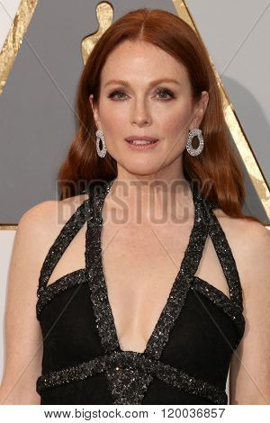 LOS ANGELES - FEB 28:  Julianne Moore at the 88th Annual Academy Awards - Arrivals at the Dolby Theater on February 28, 2016 in Los Angeles, CA