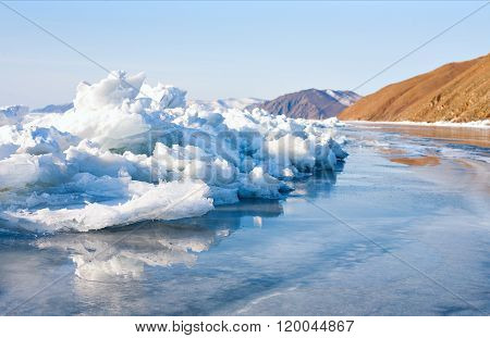 Snowdrifts and ice in the winter on Baikal