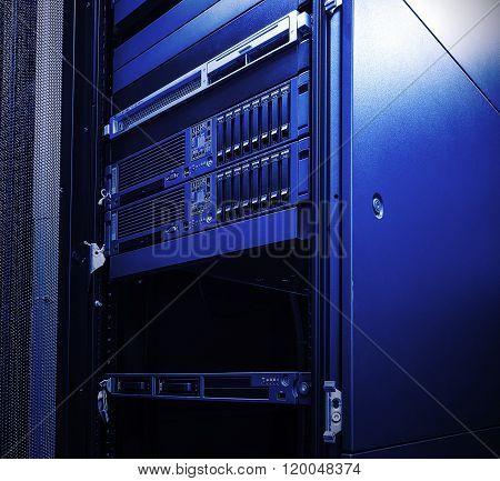 blade server blur blue toning light fantastic