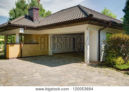 Beautiful Stylish Mansion With Garage