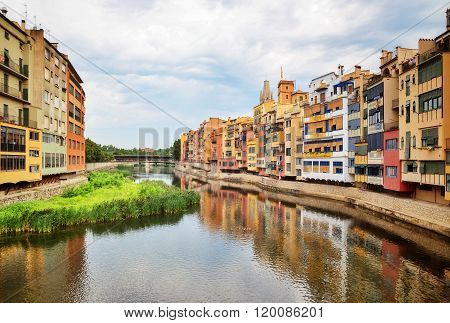 River And Picturesque Buildings Of Girona, Catalonia