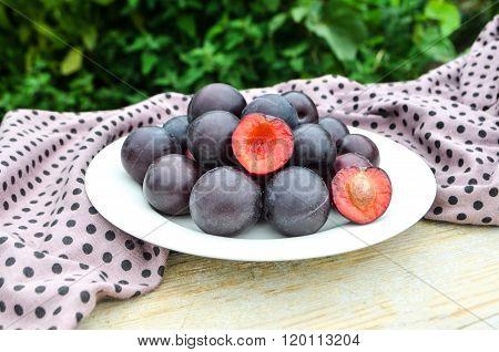 Organic sweet  plums