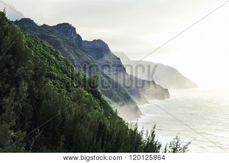 Kalalau trail at Kauai, Hawaii in foggy day