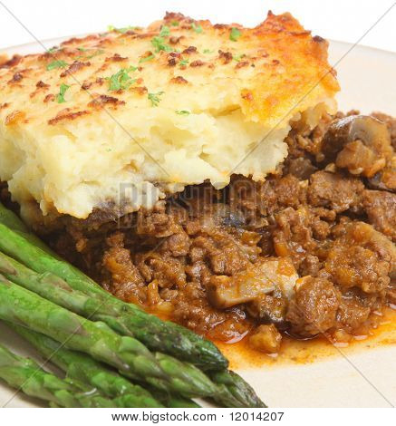 Shepherd's pie with asparagus