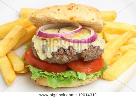 Homemade cheeseburger with chunky chips
