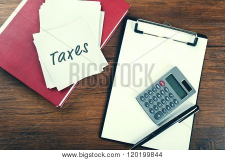 Taxes folder with office tools