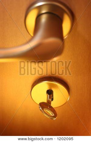 Cierre la puerta