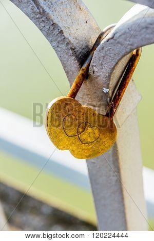 padlock symbolizing love