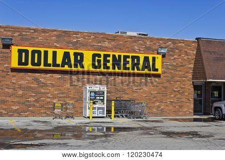 Indianapolis - Circa March 2016: Dollar General Retail Location II