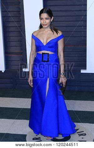BEVERLY HILLS - FEB 28: Freida Pinto at the 2016 Vanity Fair Oscar Party on February 28, 2016 in Beverly Hills, California
