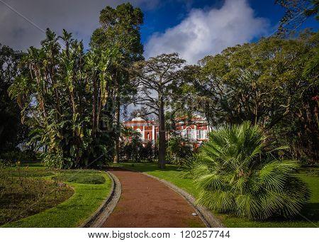Municipal botanical gardens