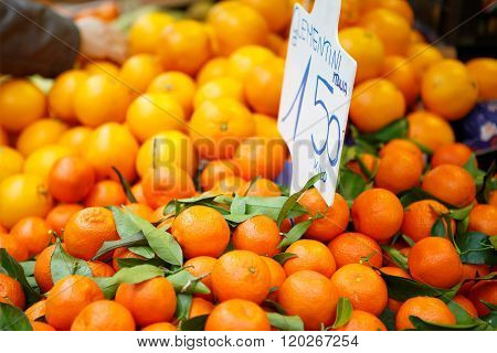 Fresh oranges and clementines at farmer market in Italy