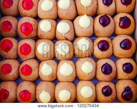 jelly munchkins donut