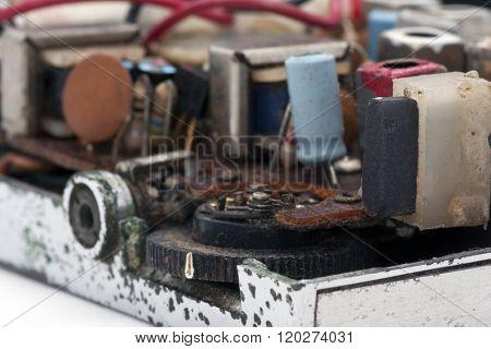 inside an old FM radio