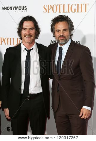 NEW YORK-OCT 27: Actor Billy Crudup (L) and Mark Ruffalo attend the 'Spotlight' New York premiere at Ziegfeld Theatre on October 27, 2015 in New York City.