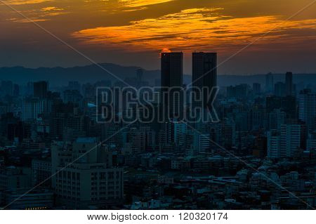 Sunset Over Buildings In Taipei From Elephant Mountain, In Taipei, Taiwan.